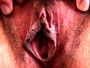Asian,Close-up,Hairy,Hd,Japanese,Masturbation Asian babe rubs...