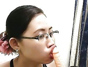 Asian;Dildo;Pinay Cam;Dildo Suck AM suck dildo...