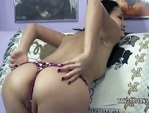 Asian housewife Lucy Levon is playing with her twat